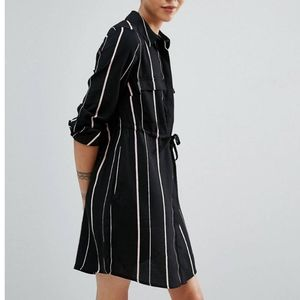 💛2/$30 Black/pink striped shirt dress